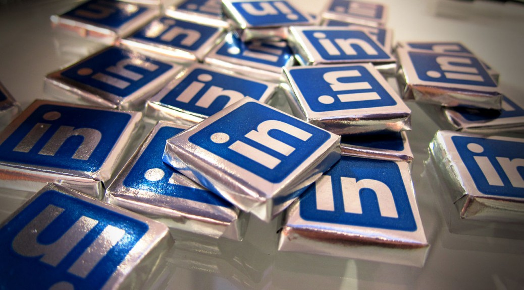 Use LinkedIn to help you get a Bilingual Job